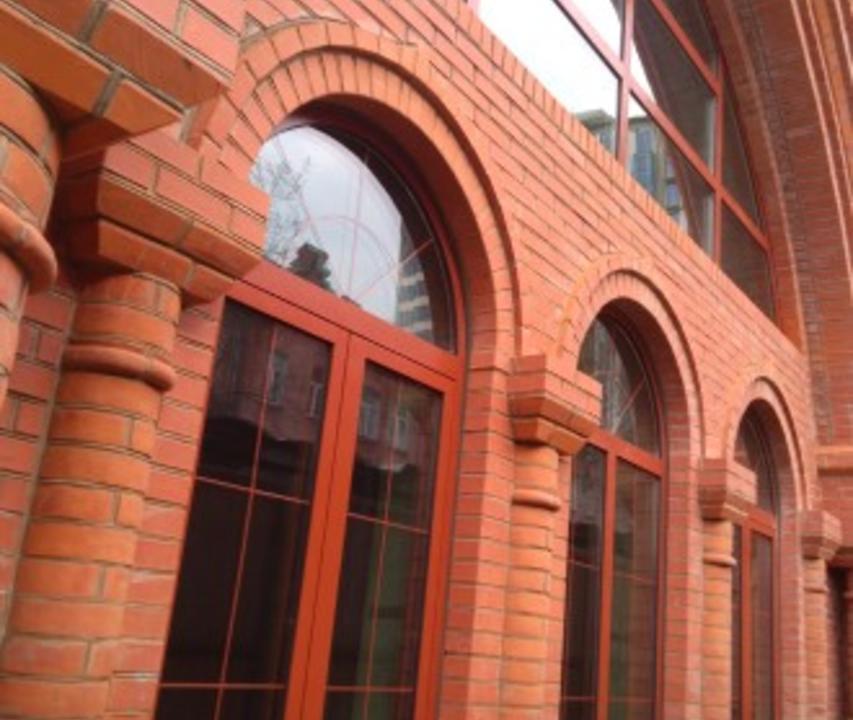 Арочные окна Бр4